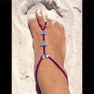 One pair of foot jewelry